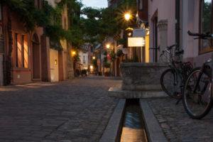 Freiburger Altstadt abends